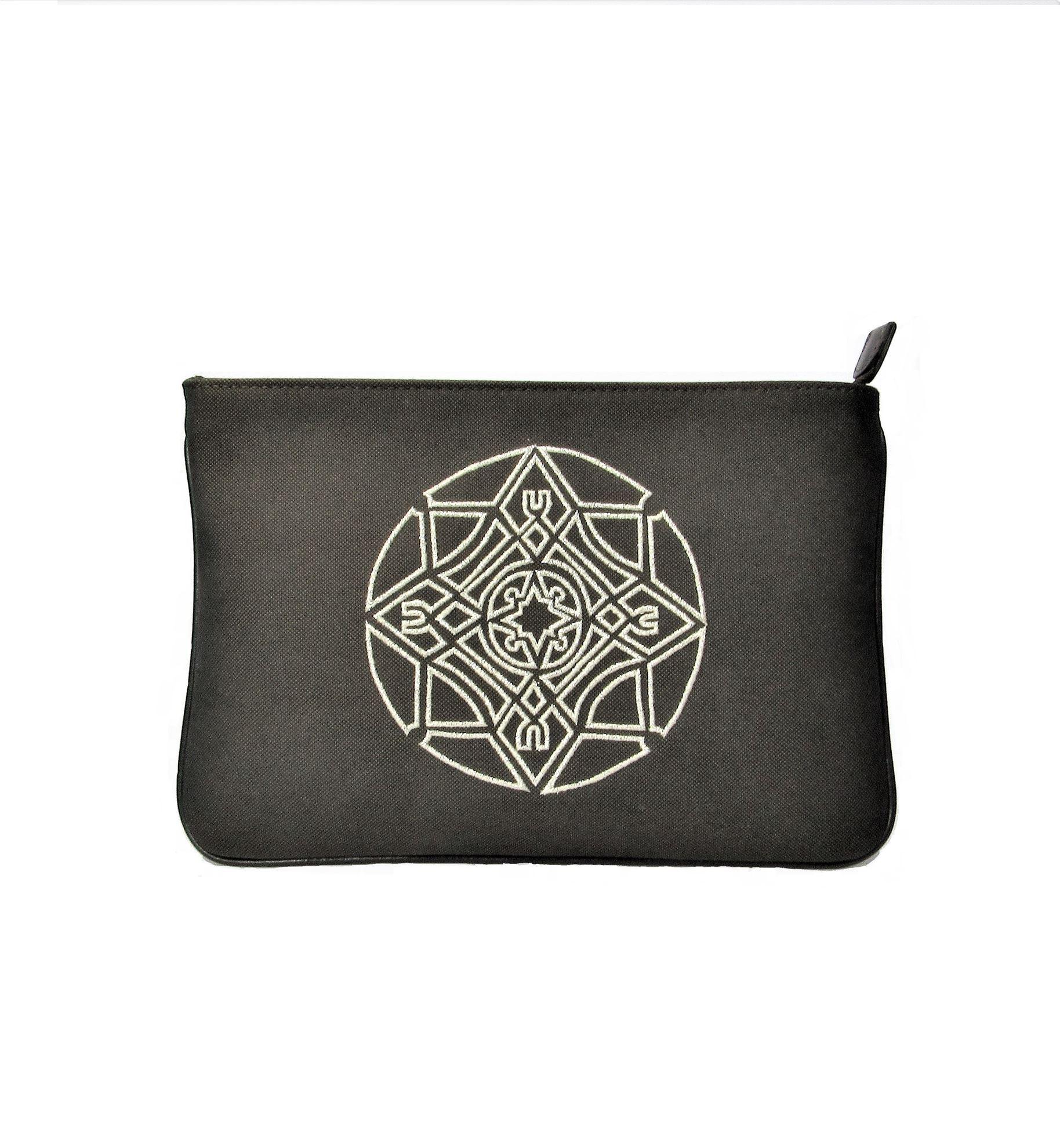 resm Mandala Clutch